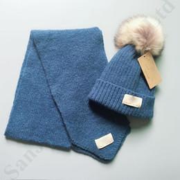 Шар помпонов онлайн-Австралия UG Kids Scarf Hat Set Роскошные дизайнерские юниоры Мальчики Девочки Шарфы и меховая шапка Pompon Beanie Bonnet Дизайнерский костюм шарфа C91009