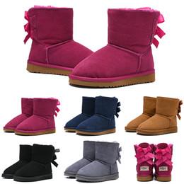2019 обувь для детей UGG Boots Модные детские сапоги WGG Австралийские классические снегоуборочные сапоги Девочка Мальчик Дети Бэйли Лук Обувь Лодыжки Зимние пинетки 26-35 Согреться дешево обувь для детей