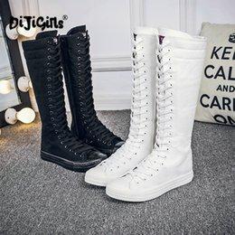 Botas de lona de encaje online-Alto-top de encaje y cremallera nuevas botas de las mujeres de la moda de primavera / otoño de cañón largo casuales botas de pisos de lona de gran tamaño dropshipping