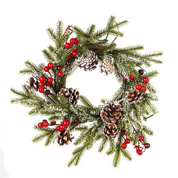 2020 grinaldas de frutas NEW 40 centímetros de Natal da grinalda PE Pine Cone Red Fruit Coroa de Natal Porta Decoração Branco reunindo pingente desconto grinaldas de frutas