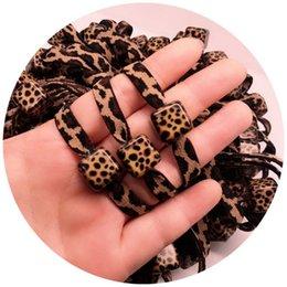 10 ШТ. Много Корея Dongdaemun Leopard квадратная коробка леопарда резинкой кольцо для волос веревка девушка ювелирные изделия оптом VIP партия подарок от