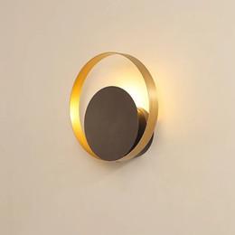 Iluminación minimalista de lujo online-lámpara de pared posmoderna nórdica cabecera del dormitorio de chalet lujo luz estudio sala personalidad creativa de la lámpara de pared de diseño minimalista