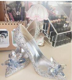 Sapatos de diamantes de noiva on-line-Sapatos de noiva sapatos de dama de honra Europa e as estrelas com os cristais de strass saltos altos Europa e os novos diamantes de Cinderela casamento sh