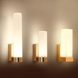 2019 quadratische led-scheinwerfer Nordic LED Wandleuchte einfache Schlafzimmer Nachttischlampe Quadrat Badezimmerspiegel Scheinwerfer Wohnzimmer Lampen Wandleuchten für zu Hause rabatt quadratische led-scheinwerfer