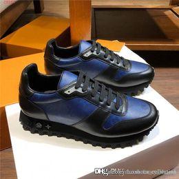 2019 cuñas coreanas tacones sandalias Hombres Nueva Tendencia El color de la zapatilla de deporte del cuero genuino, 5D impresión multicolor de las zapatillas de deporte para hombre del ocio Formadores planos corriendo tamaño de los zapatos 38-44