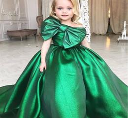 Canada Pageant Robes Émeraude Vert Robe De Fille De Robe 2019 Une Épaule Fleur Filles Robes Big Bow Première Communion Robes De Fête pour les Filles Offre
