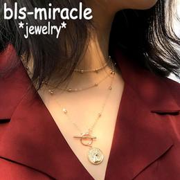 398083e6c7df Vintage Multi Layered Tallado Coin Gargantilla Collares de Color Oro  Círculo palo Declaración Colgante Collar Mujeres Joyería