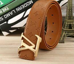 vente en gros de ceinture en or Promotion Dernières marque en cuir ceinture mode en relief police en cuir ceinture lettre lettre boucle de loisirs ceinture 105-125cm