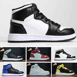 huge selection of e351a d9b5d Nike air jordan 1 retro PreSchool Conjointement Signé Haute OG 1 1s Jeunes Enfants  Chaussures De Basketball Chicago Nouveau Né Bébé Infant Toddler ...