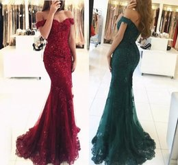 2019 i vestiti si spaziano Red Prom Dresses sirena Off The Shoulder Beaded Applique in pizzo Backless Long PartyProm Gown Abiti da sera formale Dubai Robe De Soire i vestiti si spaziano economici