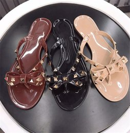 branded slippers women Coupons - Women Designer Sandals Rivets Brands Bow Knot Flat Slippers Sandal Studded Girl Shoes Cool Beach Jelly Platform Slides Lady Flip Flops 35-41