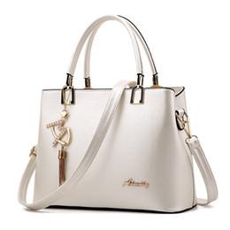 53b52f5dd2 2019 borse a tracolla bianche Bolso Mujer 2019 moda Hobos donne borsa  bianca borse in pelle