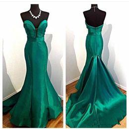 Vestidos de noite elegantes verde esmeralda on-line-Verde esmeralda Vestido sereia elegante Querida Satin Longo Sem Costas mulheres usam Prom Night Party Gown