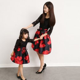 2019 madre hija pantalones a juego Trajes a juego de la familia Vestido Madre Hija Mujer Niña Bebé Ropa Fiesta Mama Mamá y yo Ropa Vestido de familia Vestidos rojos