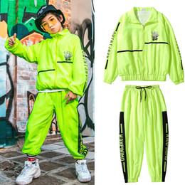 trajes de dança jazz meninos Desconto Crianças Hip Hop Vestuário Meninos Street Dance Mostrar Trajes verde fluorescente Costumes Suit Jazz Meninas da dança Rave roupas DQS3521