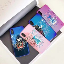 Telefones baratos da maçã on-line-Cheap Tiger pintado a caixa do telefone da marca Blue Ray para IPhone X XS MAX XR TPU Capa para iPhone 6 6s 7 8 Plus 4 Cor disponível