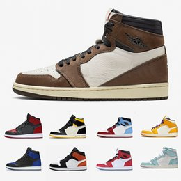 basketball de haut niveau Promotion Nike Air Jordan Retro 1 Stock X 1 High Travis Scott Low Fearless Mens Basketball shoes Spiderman 1s Cactus Jack Banned Bred Toe Men Women Sports Designers Sneakers