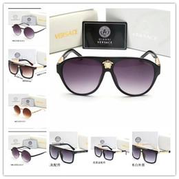 gespiegelte polaroid sonnenbrille Rabatt 2019 neue Art und Weise Sonnenbrille für Männer Frauen Metallrahmen Spiegel polaroid Objektive Treiber SunVersace Brille mit braunem Fall und Kasten