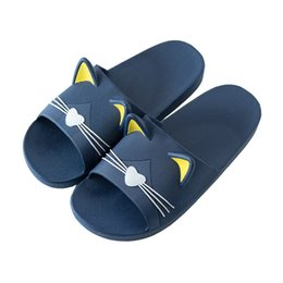 2020 pantofole morbide Home Cartoon Cat Slippers Female Summer Personality Unisex Shoes Indoor Plastic Bathroom Lovers Slipper Soft Slippers Men's Slip pantofole morbide economici