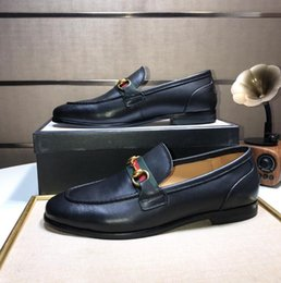 Chaussures douces et confortables en Ligne-Mens designer luxe chaussures En Cuir Véritable Hommes Chaussures Doux Mocassins Mocassins Mode Marque Hommes Appartements Confortable Driving Chaussures TAILLE: 38-44