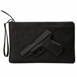 3D Baskı Gun debriyaj çantalar Deri Çanta kadın akşam manşonlar Tasarımcı Parti kadın haberci çanta bayanlar Zarf el çantası nereden