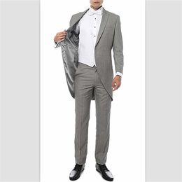 2018 Traje de satén negro para hombres Clasic Fit 2 piezas Traje para hombre  Blazer Un botón Tailcoat Business Wedding Party (chaqueta + pantalones) Por  ... 52553b9f587