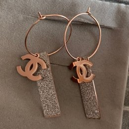 Relleno de oro online-Nunca se desvanecen los pendientes largos de borla de diamantes para hombres, mujeres, oro rosa de 18Q con relleno, amantes de la boda, pendientes de diseño de EE. UU.