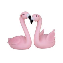 2 pièces Joli flamingo rose hochet Jouets de bain Ornement Jouets pour bébés à l'eau Phoeniconaias un peu comme comme décoration d'oie de cygne 2 ? partir de fabricateur