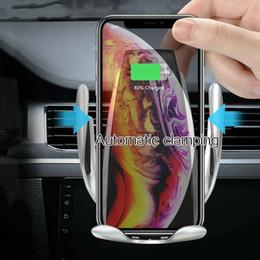 планшетные устройства samsung Скидка 10 Вт Автоматическое Зажима Беспроводное Автомобильное Зарядное Устройство Ци Быстрая Зарядка Кронштейн для IPhone XS XR X 8 Samsung S10 S9 S8 Air Vent Держатель Телефона