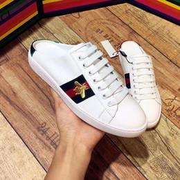 2019 sandalias planas rojas talla 35 Clásico diseñador rojo y azul con bordados de abeja para hombre y para mujer, verano, zapatillas casuales, zapatos de diseño, zapatillas planas, sandalias, talla 35-45 sandalias planas rojas talla 35 baratos