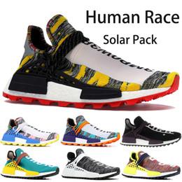 Zapatillas multi color online-Zapatillas de deporte Adidas NMD Human Race para hombre, mujer, Pharrell williams Hu, zapatos de diseñador de paquete solar con un tamaño de caja original de 36-45 EUR