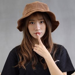 ladies running cap Promo Codes - Outdoor Hats autumn and winter warm ladies wild corduroy cap fisherman's hat factory wholesale