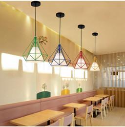 abat-jour pendentif rouge Promotion Lumière pendante e27 Restaurant rétro Nordic Diamond Terre loft Simple Salon Fer Creative Bar Salle À Manger plafond lustre
