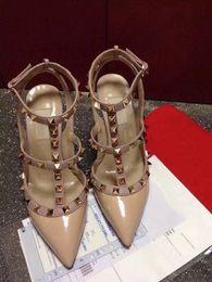 2019 zapatos de boda originales 2019 Alta calidad para mujer tacones altos sandalias zapatos de boda Remaches de cuero Sandalias de mujer con tachuelas Zapatos de vestir de tacón alto 9.5 cm Original rebajas zapatos de boda originales