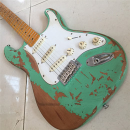 2019 hardware de guitarra verde Envío gratisNew Arrivel 1956 surf verde ST Relic guitarra eléctrica hecha a mano aliso cuerpo hardware envejecido hardware de guitarra verde baratos