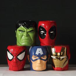 2019 caneca da lente branca Moda Super Herói Homem De Ferro e Batman Spiderman Cerâmica Canecas Copo Criativo Caneca De Leite Dos Desenhos Animados Os Tigres Vingadores 300 ml