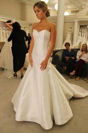 Abiti da sposa semplici a sirena Abito da sposa in raso con strascico da abiti da sposa tromba pnina fornitori
