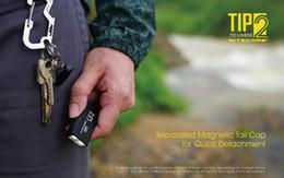 2019 mejor mosquetón para llaves Nitecore NiteCore tip2 luz principal anillo de mini linterna portátil de carga de 720 lumen, pequeño volumen USB, 1m caer contra