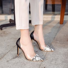 На высоких каблуках онлайн-SAGACE Обувь Женщины Сексуальный Острым Носом Змеиной Кожи Шаблон одиночные Туфли Прозрачные Сандалии На Высоком Каблуке мода женщина 2019feb9
