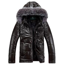 Hombre abrigo blanco online-Chaquetas de cuero de invierno Duck Down Men Coat 2019 Nuevo cuello de piel con capucha Abrigo cálido Hombre Chaquetas de cuero genuino FC44