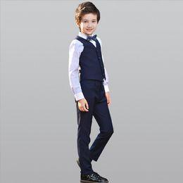 5d9c2c63ded71 2019 New Boy Suit Baby Boys Traje de baile diario Flor casual Cool Boy  Pantalones de tela casual   Arco   Camisa   Chaleco camisetas frescas de la  danza ...