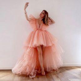 vestidos de estilo de vestido reto Desconto Blush rosa altos Vestidos Low Prom com profunda Pescoço V Tiered Tutu saias curtas mangas Cocktail Party Dress Yong Meninas barato vestidos de noite