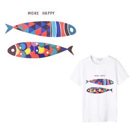 2019 pcs pesca Happy Fish Iron en el parche de transferencias para la camiseta Parche de transferencia de calor para ropa de chaqueta Características Moda Accesorio Etiqueta 1 PCS rebajas pcs pesca