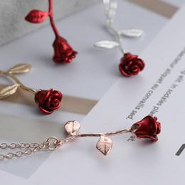 Bijoux rose délicat en Ligne-Rouge Rose Fleur Pendentif Collier Délicat En Alliage Plaqué À La Main Charme Charm Valentine Cadeaux Femmes Bijoux De Mode LJJT859