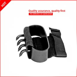 armi da arrampicata Sconti 2PCS Ninjutsu arti marziali Ninja strumenti da arrampicata Guanti tattici Hidden s Slip Claw knife a pair