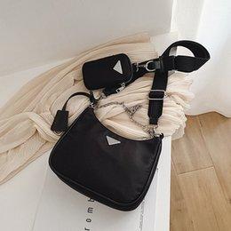 2019 marche di lusso italiane La donna Messenger Bag ultimo stile di nylon triplo borse casuali di marca Borse Crossbody per donne catena Top-handle Bag Bolsas