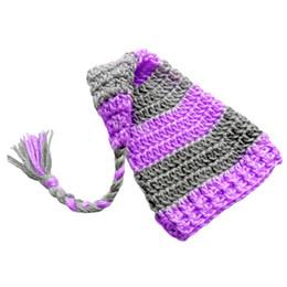 Crochet del cappello viola del bambino online-Cappello calza adorabile, maglia lavorata a maglia all'uncinetto Baby Boy Girl Cappello banda rigata viola grigia, cappello a coda lunga dell'Elf Hat, Foto neonato neonato