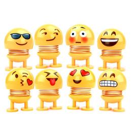 Emoji sacudiendo la cabeza juguetes Bobblehead Nod muñecas dibujos animados lindo divertido robot adornos de coche precioso tablero de instrumentos del coche decoración autombiles accesorios desde fabricantes