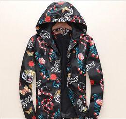 Abrigo de serpiente online-Escudo para hombre diseñador de manga larga chaqueta de los hombres de moda de la serpiente tigre de impresión digital capa de la chaqueta Marca M-3XL