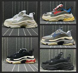 2019 scarpe casual scarpe in pelle pura New Fashion Balenciaga scarpe zapatos hommes Paris Triple-S Designer Shoes Low Platform Sneakers Triple S Mens Casual Women designer casual Sports Trainers Chaussures 36-45